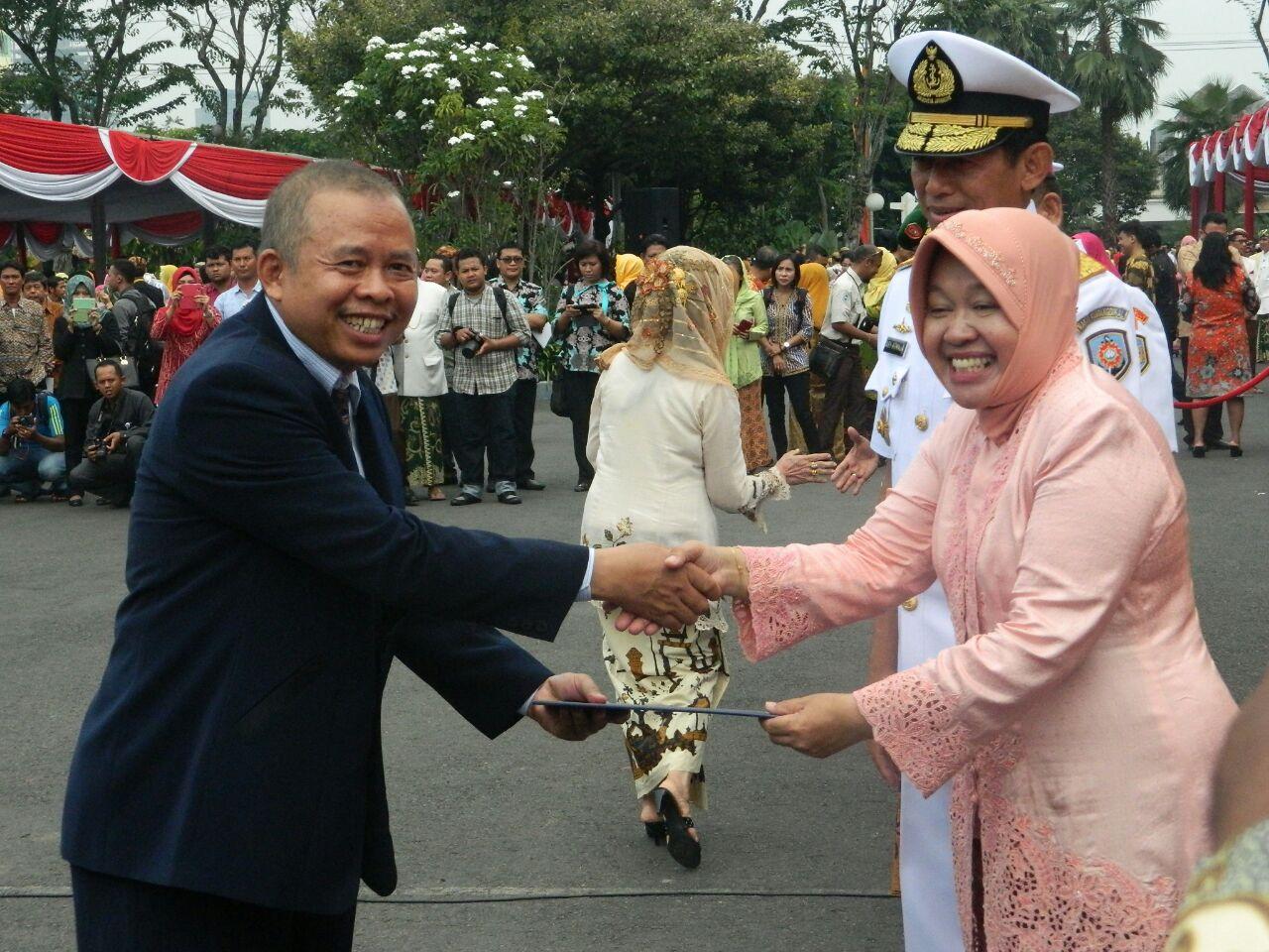 Kursus Komputer Surabaya - Juara Apresiasi LKP Berprestasi Tk. Nasional tahun 2013